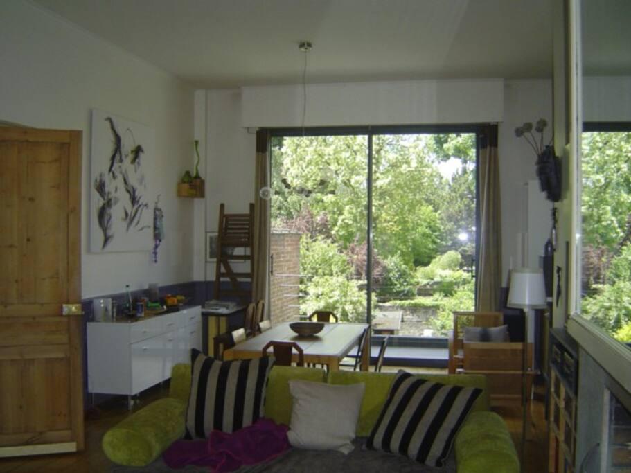 maison de ville au centre de lille maisons de ville louer lille nord pas de calais france. Black Bedroom Furniture Sets. Home Design Ideas