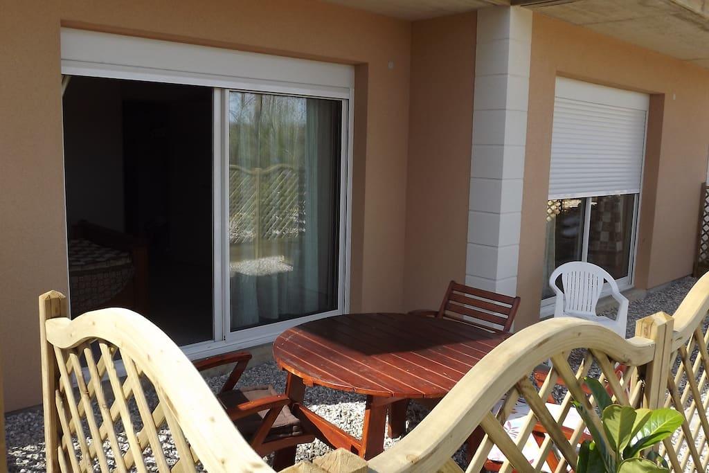 Terrasse au rez de jardin