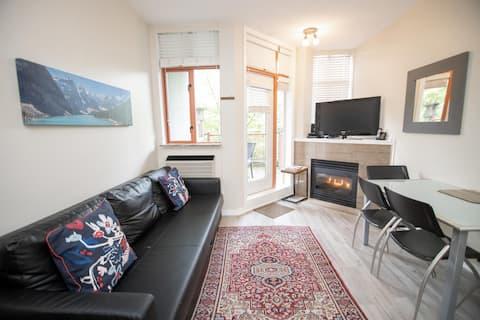 Bright Modern Studio in the heart of Whistler