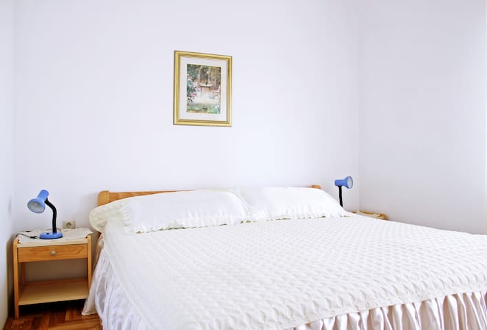 Cozy apartment in Trogir area - Mastrinka - Huoneisto