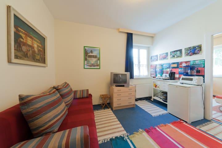 "Colourful Apartment ""Jakob"""