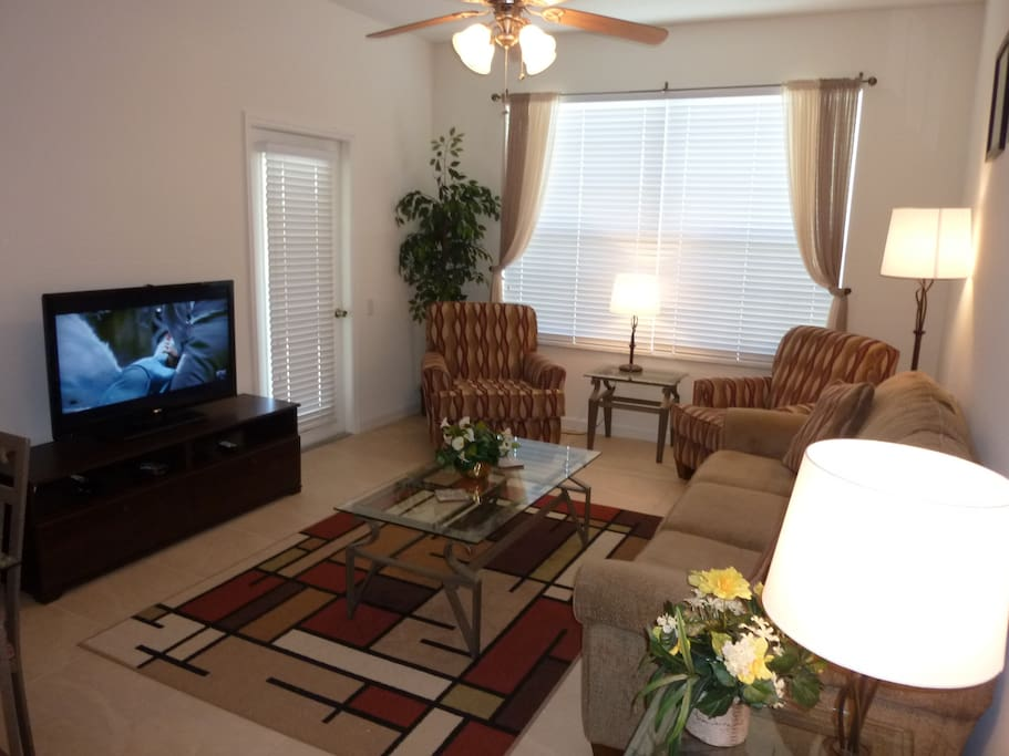 Comfortable Living Area leading on to Lanai