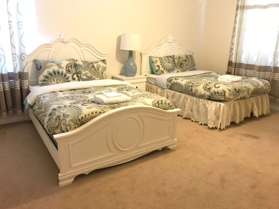Third bedroom Two full  size bed. Spacious, bright and comfortable.