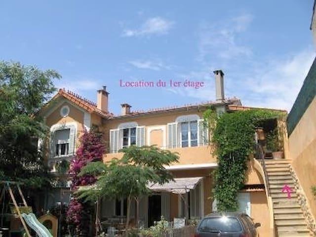 First floor of a character villa - La Seyne-sur-Mer - Ev