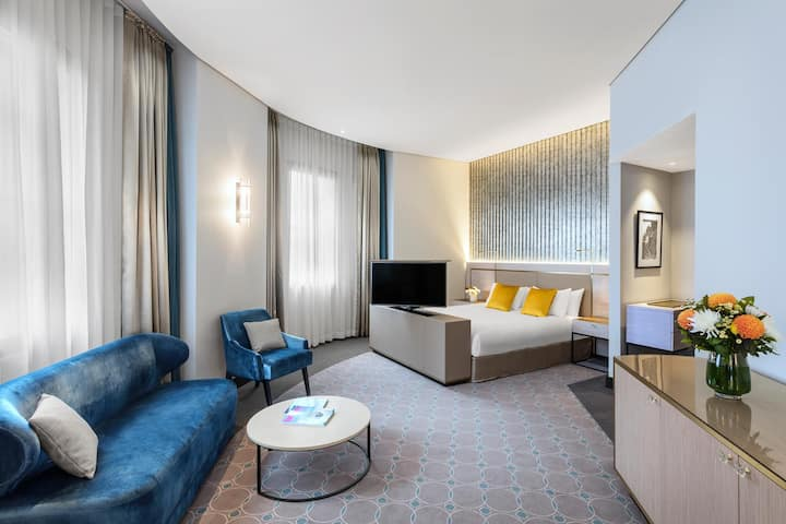 Private Suite Standard At Sydney Cbd