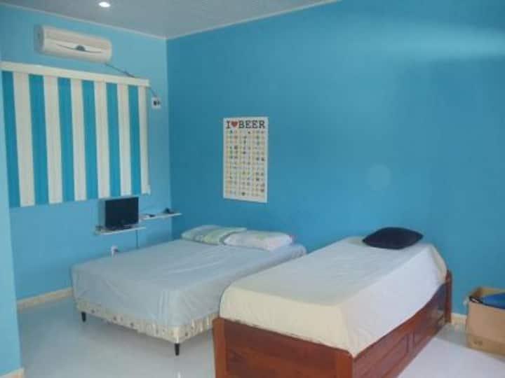 Suite 1 (+ room / kitchen, balcony)