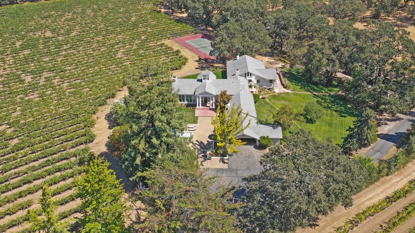 Stunning 20-Acre Sonoma Wine Country Estate