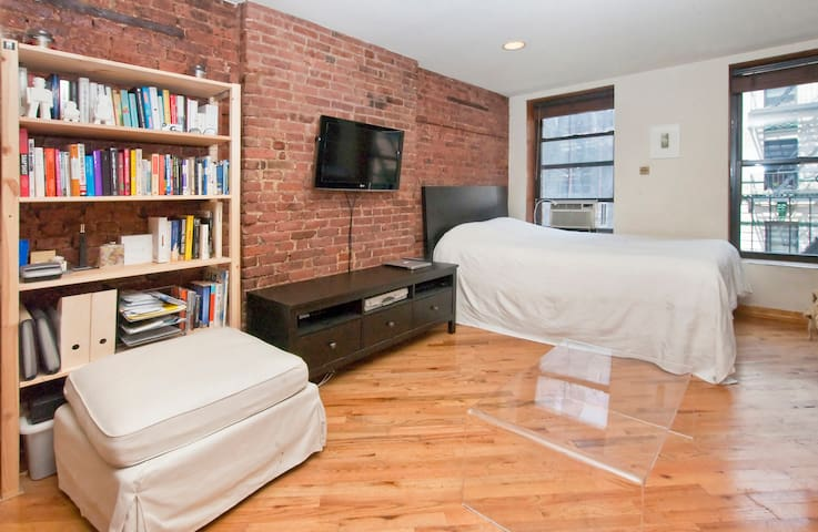 Spacious Lower East Side Studio - Nova Iorque - Apartamento
