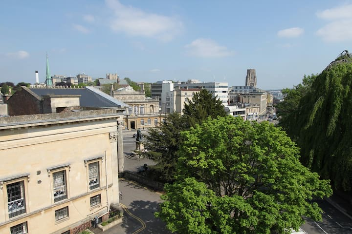 Central 2 bed flat in Clifton, Bristol (2 doubles) - Avon - Apartmen
