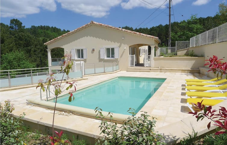 Holiday cottage with 3 bedrooms on 105 m² in Molières-sur-Cèze