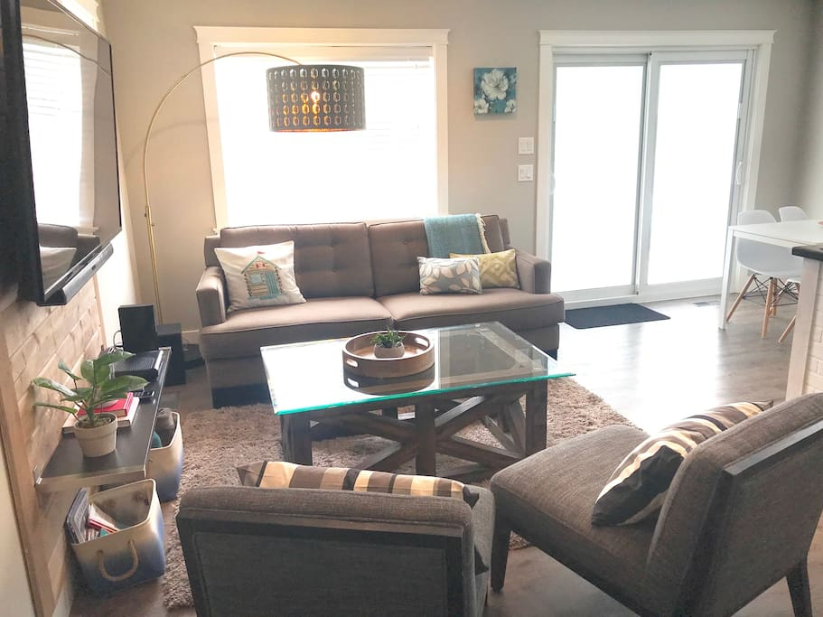 Living Room, with access to Deck patio
