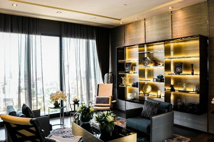 This is our library on the 35th floor. It is very quite and private. You will love to njoy a peaceful time of observing BKK view while reading.