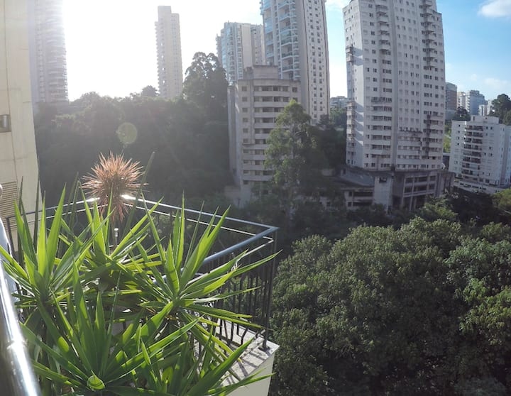 Loft duplex, vista para praça e reserva Panamby.