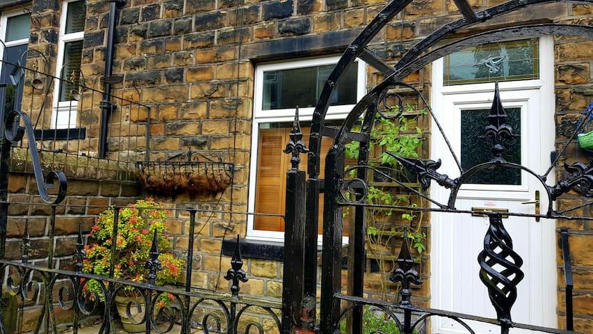 Half Pint Cottage, Haworth