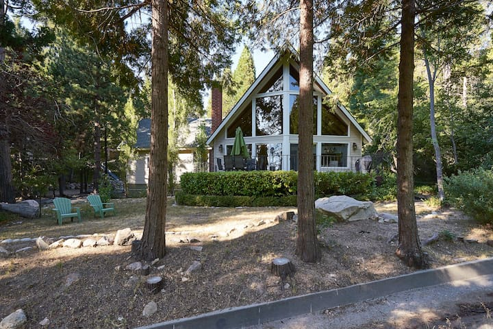 VIEW!! Golf Course w/ Beach Pass! - Lake Arrowhead - Casa
