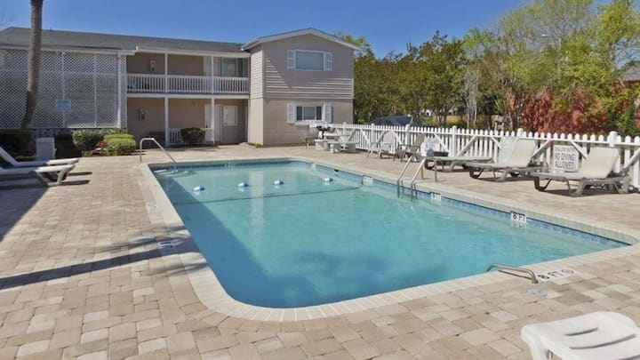 2 Blocks from Beach!  Sun, Sand & Pool!  UNIT#302