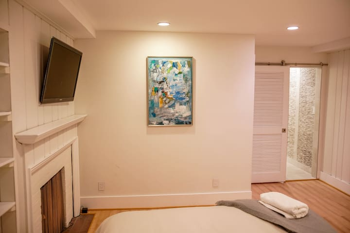 Beautiful One Bedroom in the Heart of Georgetown - Washington - Townhouse