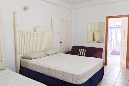 Cozy 1 Bdr 5mins from UVF (Room 2)
