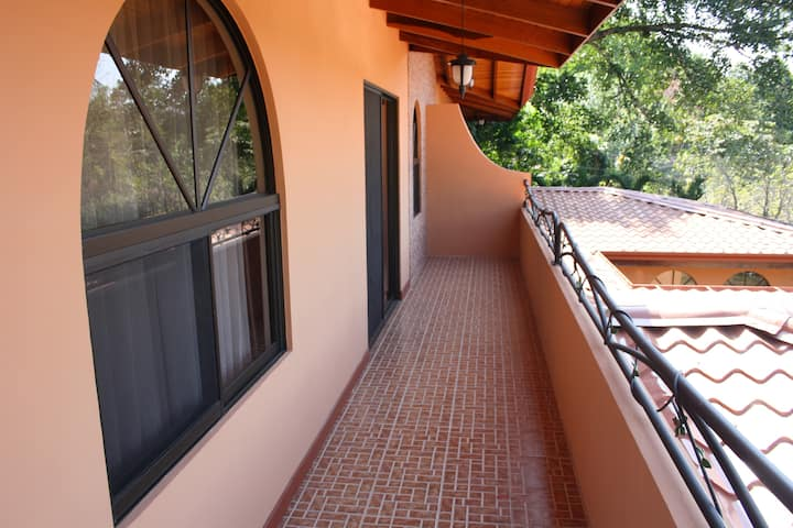 Furnished Apartment in Atenas (1)