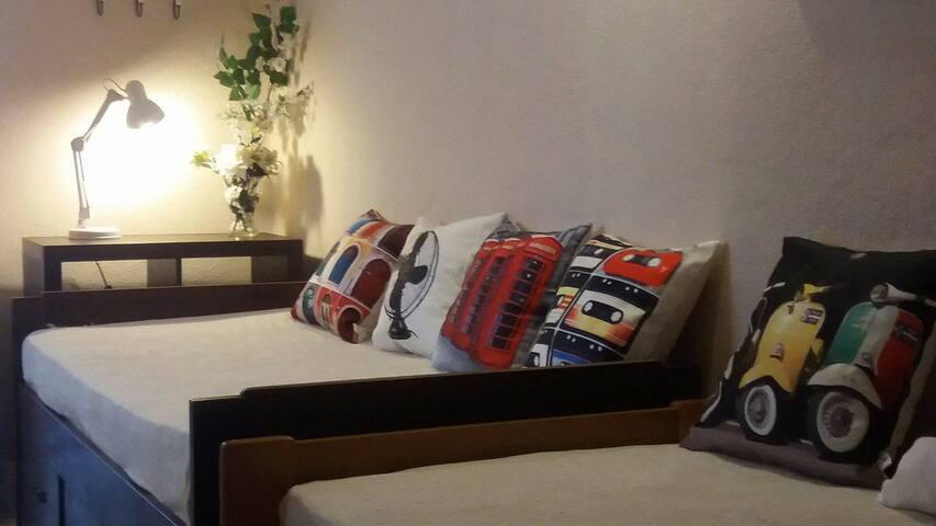 Suite Casal Piso Inferior - Cascais - Bed & Breakfast