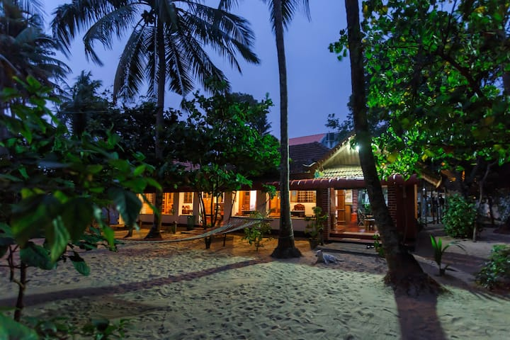 SEA  HUT HOMESTAY NON AC DOUBLE ROOM