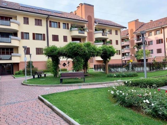 Milano-Assago Forum 8 km dal Duomo