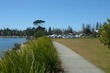 Ford Park which runs along the Clarence River is located just across the road from the house. It is a beautiful flat walk along the footpath to town and two beaches.