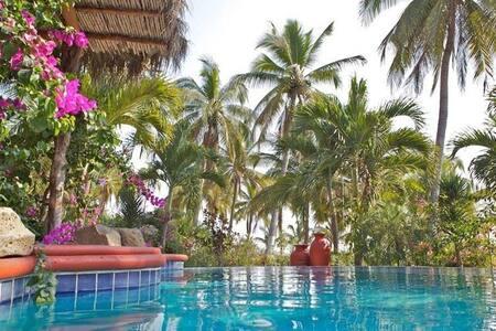 Villa las Mananitas, private pool!