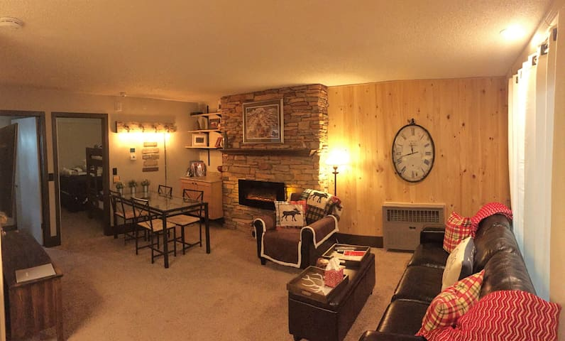 UPDATED CONDO NEAR MAIN STREET: ACROSS FROM LIFTS - Park City - Wohnung