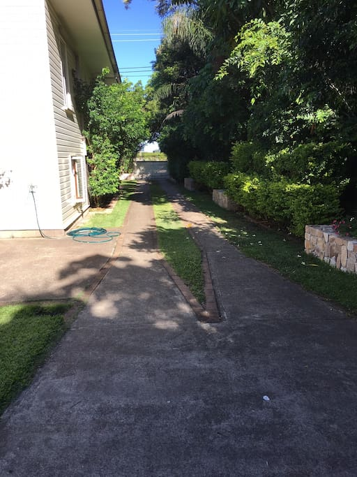 Driveway / Onsite Undercover Parking
