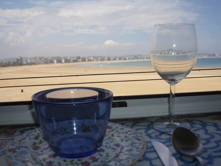 Apartamento en Laredo en primera línea de playa