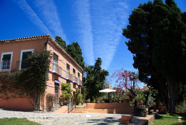 Great manor house in Malaga - La Cala del Moral