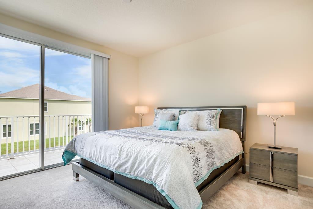 Master bed (2nd floor)