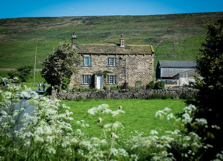 Double room with en-suite in Yorkshire Dales B&B