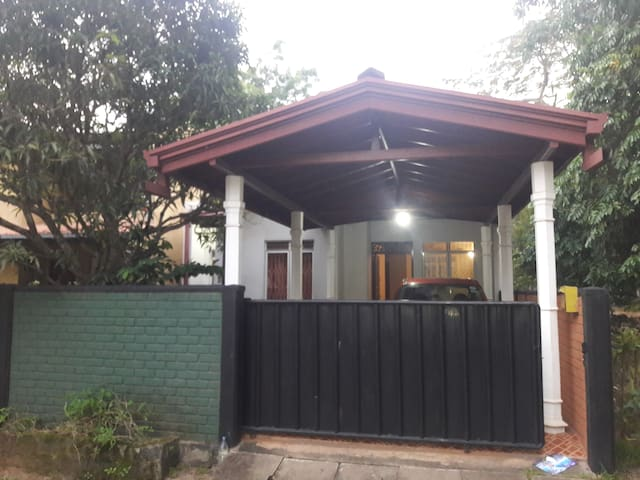 Great living close to CMB,Negombo & few KM Airport