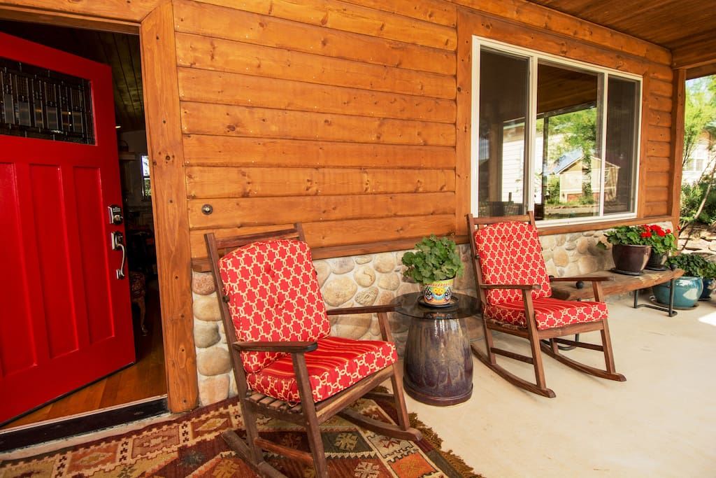 Relax on the comfortable front porch with views of a beautiful mountain panorama.