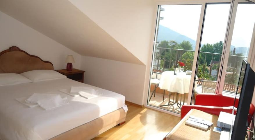 Cozy double room wtih great view - Budva - House