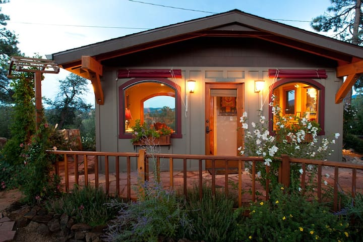 Lovely, elegant guest house/cottage - Prescott - Casa