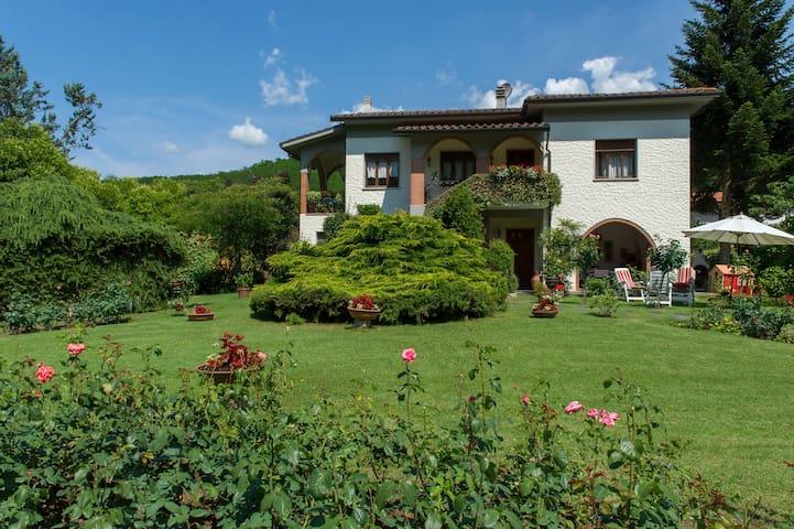 Villa Lucca/Monsagrati 4-5 pax - Monsagrati (LU) - Appartement
