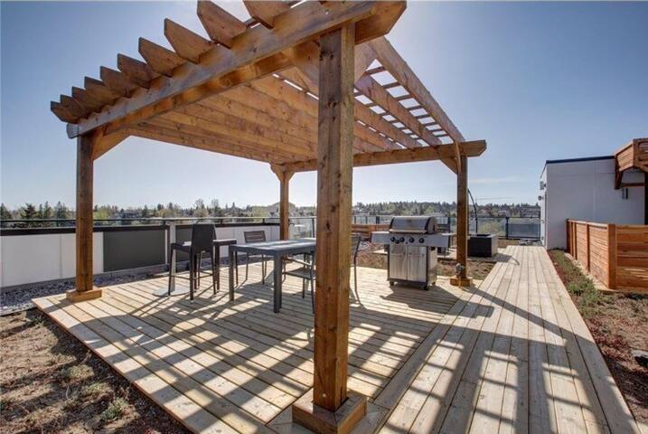 New Condo in trendy Bankview. - Calgary - Condominium