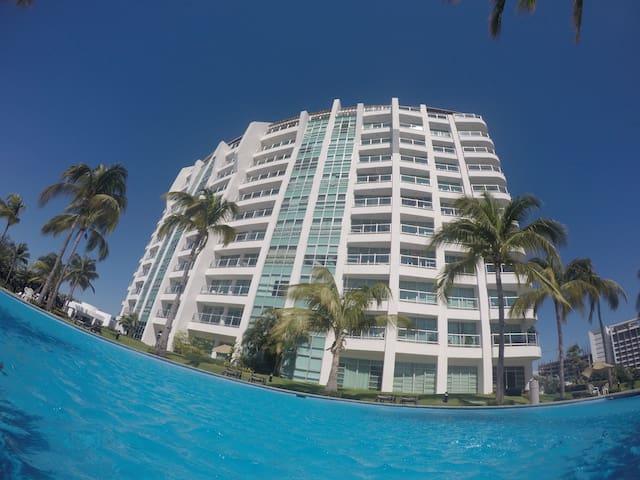 Nice Condo w/access to Grand Mayan Resort (6 per)