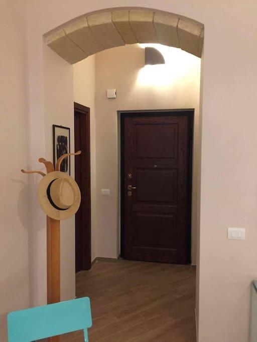 l'ingresso..Entrez!