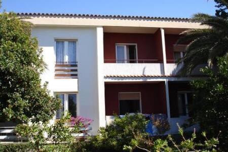TH03105 Apartment Lorena / A1 - Barbat