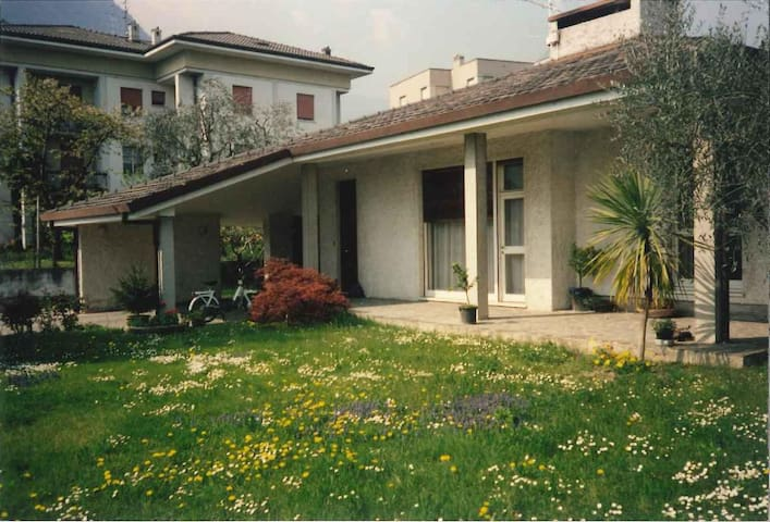 Peaceful villa with garden - Riva del Garda - วิลล่า