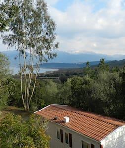 Mira Monti 10 bungalows sur 1ha - Belvédère-Campomoro - Bungalou
