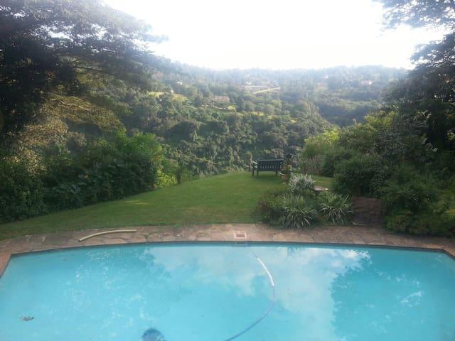 Serene house overlooking gorge.... - Durban - House
