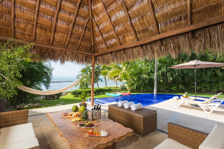 The ocean is my home! Large house by the beach with private pool & jacuzzi.