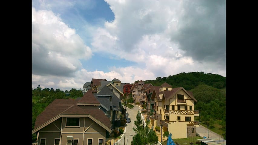 Cozy Swiss Inspired Condo in Tagaytay Philippines - Tagaytay - Wohnung