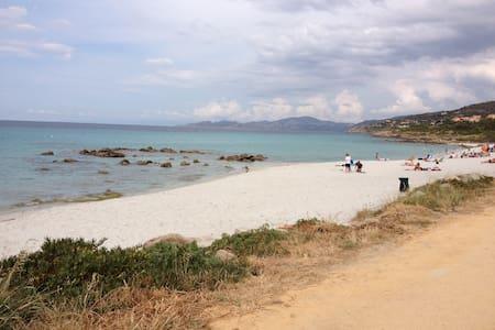 Studio 2 pers à 50m de la plage - L'Île-Rousse - Flat