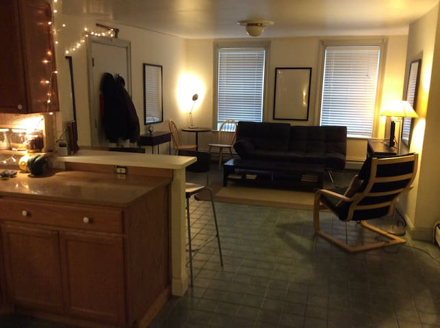 Apartment on Grove St, Jersey City Minutes from NY